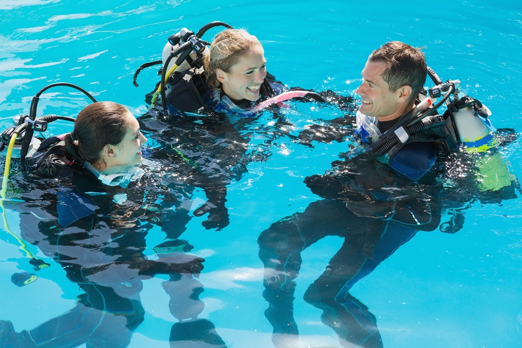 Scuba students in water with instructor